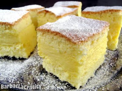 Prajiturele cu vanilie pudrate cu zahar