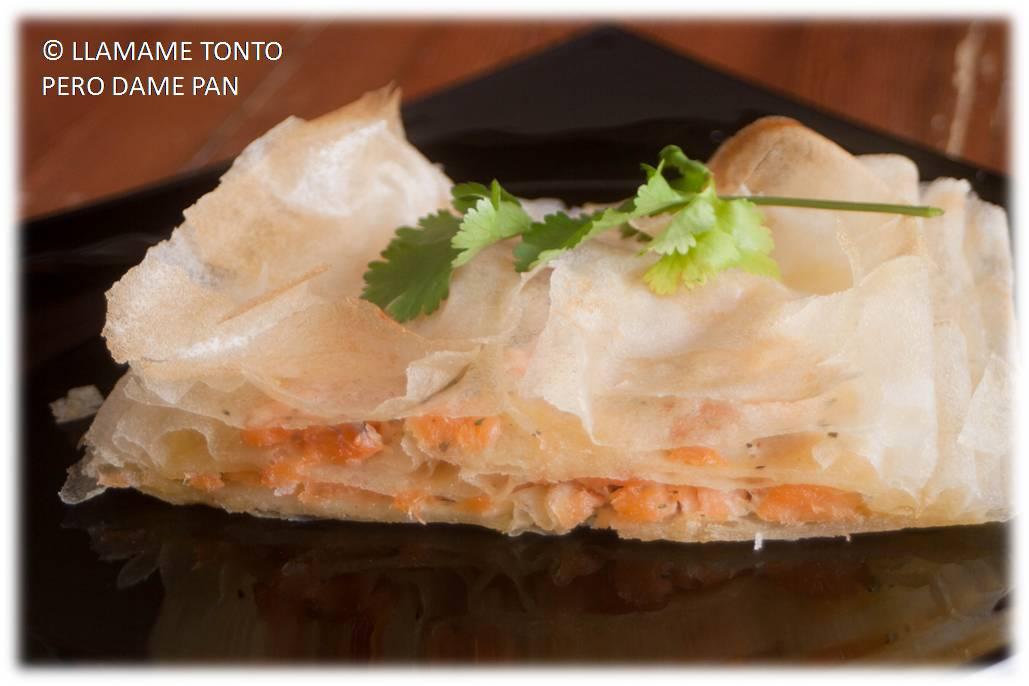 http://llamametontoperodamepan.blogspot.com.es/2014/01/milhojas-de-salmon.html