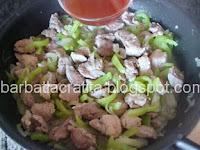 Tochitura de porc preparare reteta