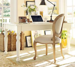 Meja Kantor Minimalis Putih  Di buat dengan  material kayu dan finishing yang berkualitas, furniture  ini terlihat simple tapi berkesan elegant di tempatkan di kantor atau rumah hunian anda. Meja kantor yang kami sediakan bervariabel dari yang jenis ukiran, bahan kayu jati maupun mahoni , gaya klasik / minimalis dll.