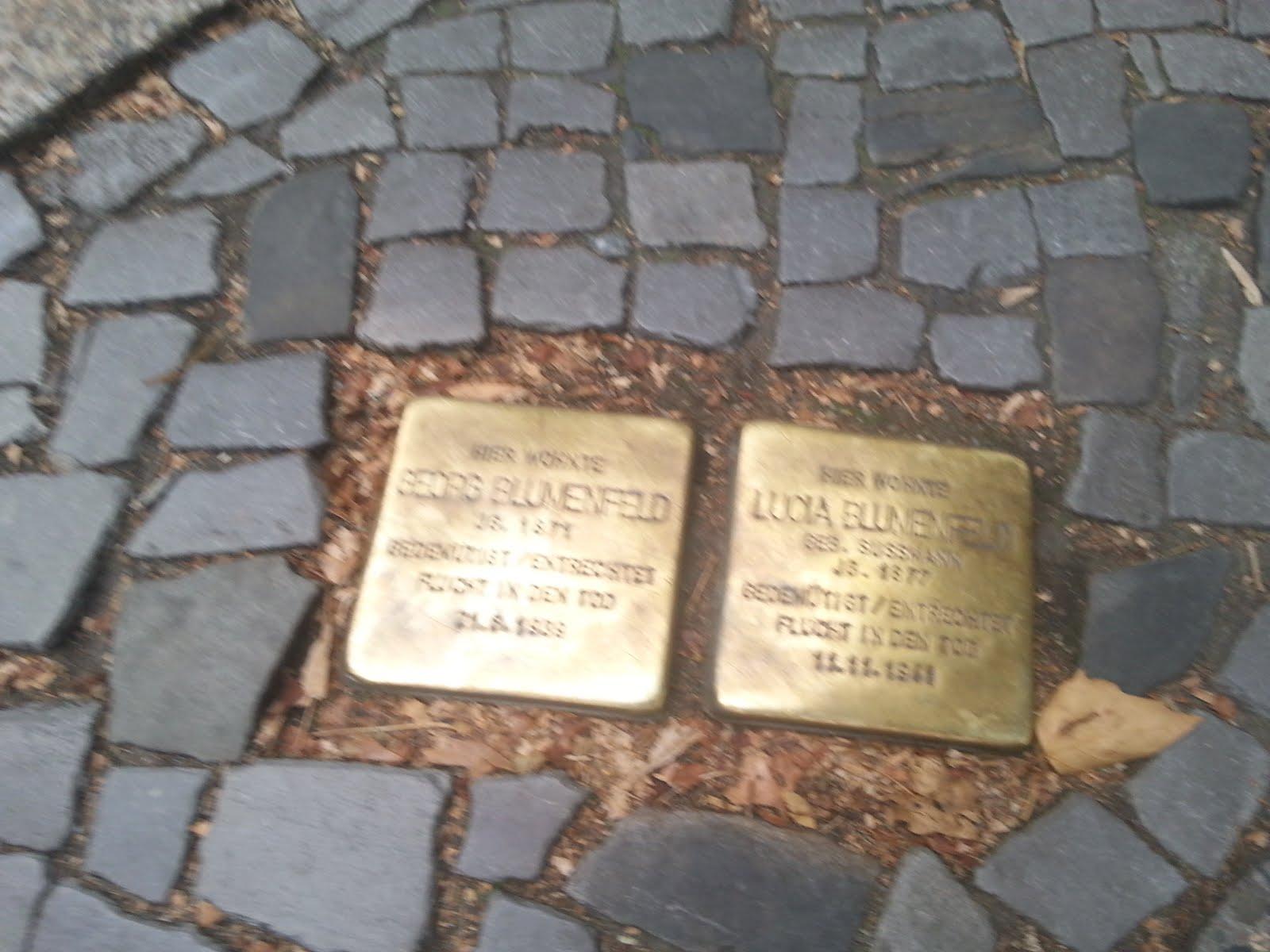 אבני נגף, ברלין
