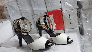 Sepatu Kerja Wanita Murah dan Cantik, Heels Hitam Putih, Hanya Rp.74.999