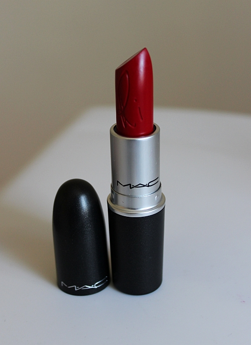 Rihanna for MAC Cosmetics: RiRi Woo Lipstick Review and Swatches!