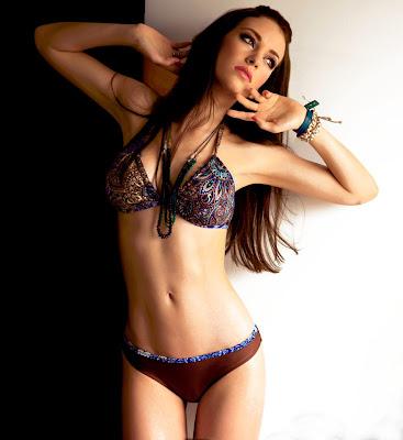Jovencita En Bikini - Porno TeatroPornocom