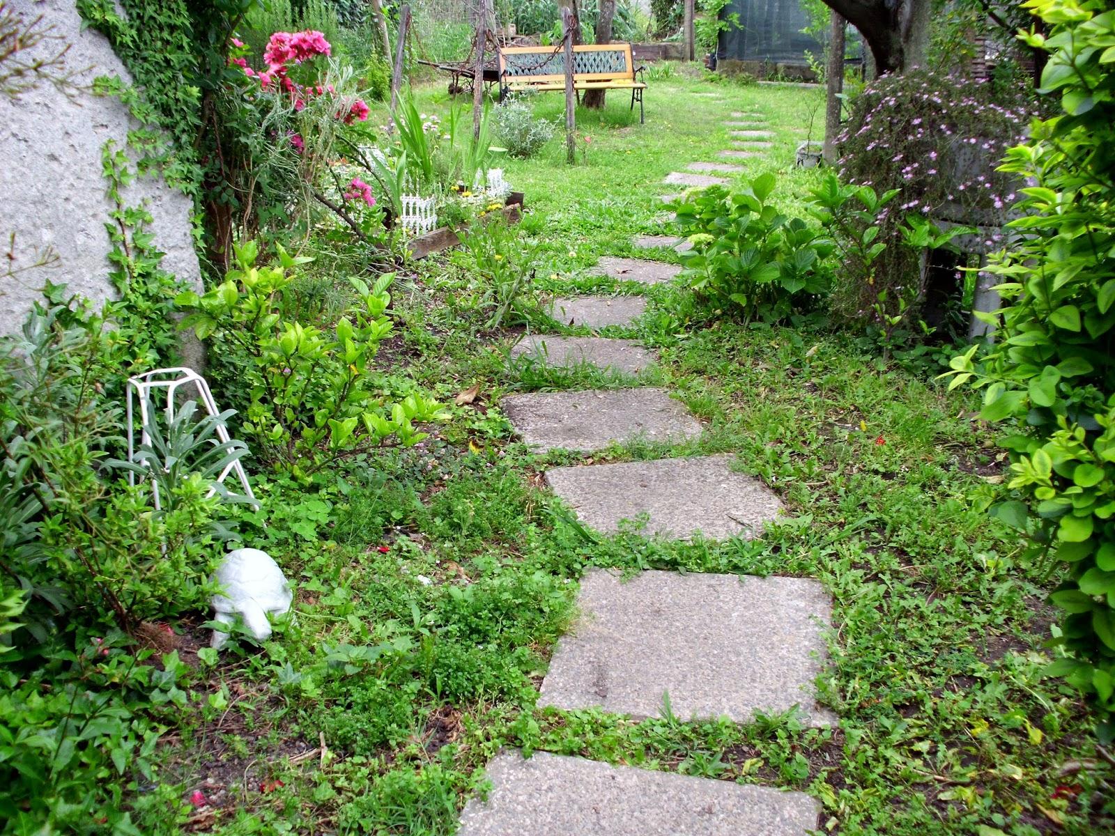 Y el jard n verde y lleno de vida for Jardines vintage