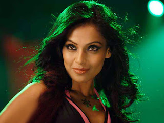 Bipasha basu is a sexy and hot wallpapers
