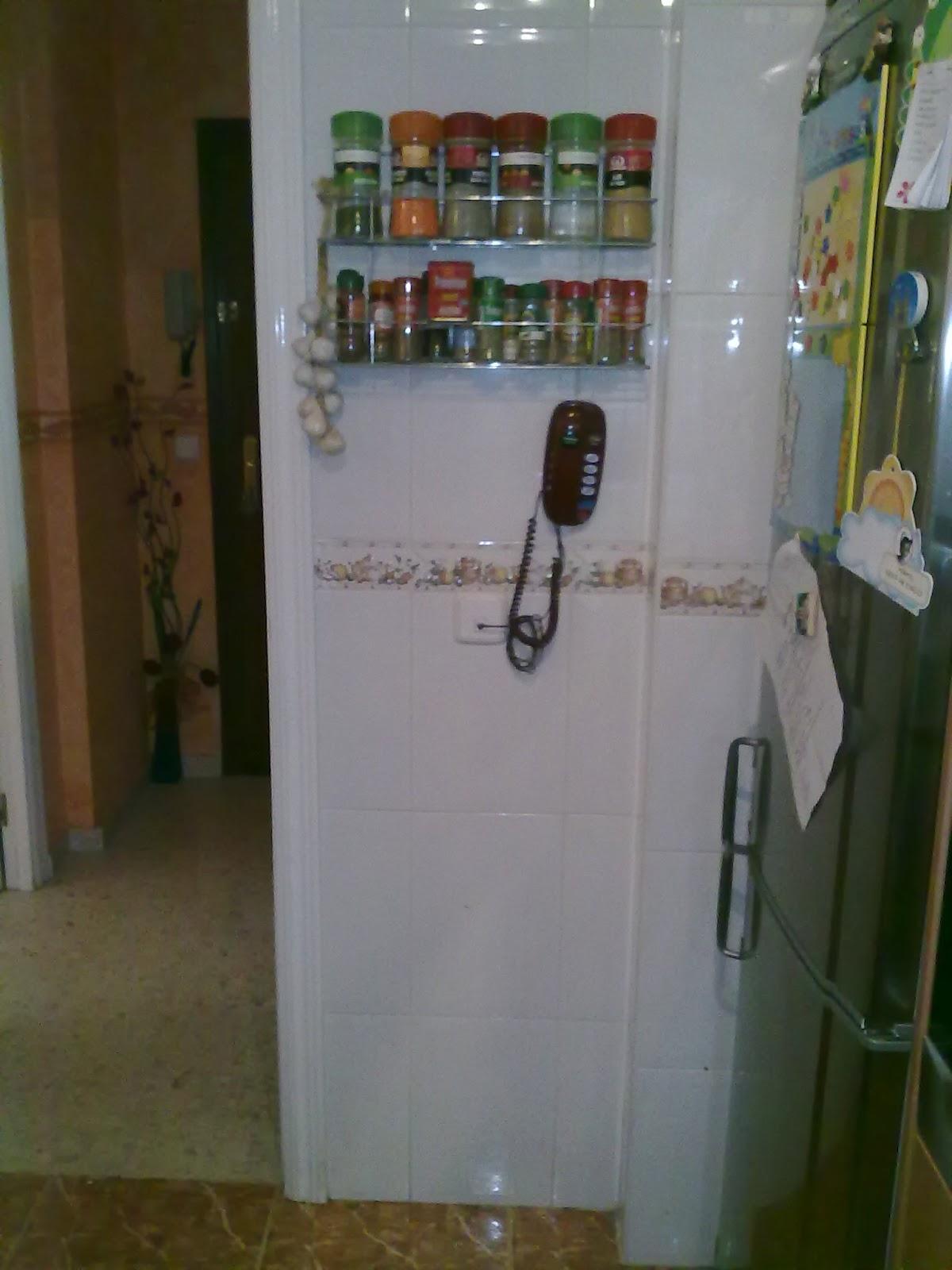 Disenyoss decoracion antes y despues de una cocina - Pintura especial azulejos ...