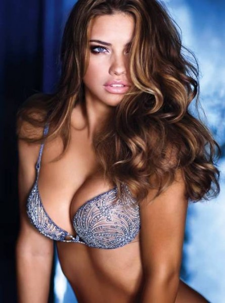 Model Adriana Lima Hot Photos