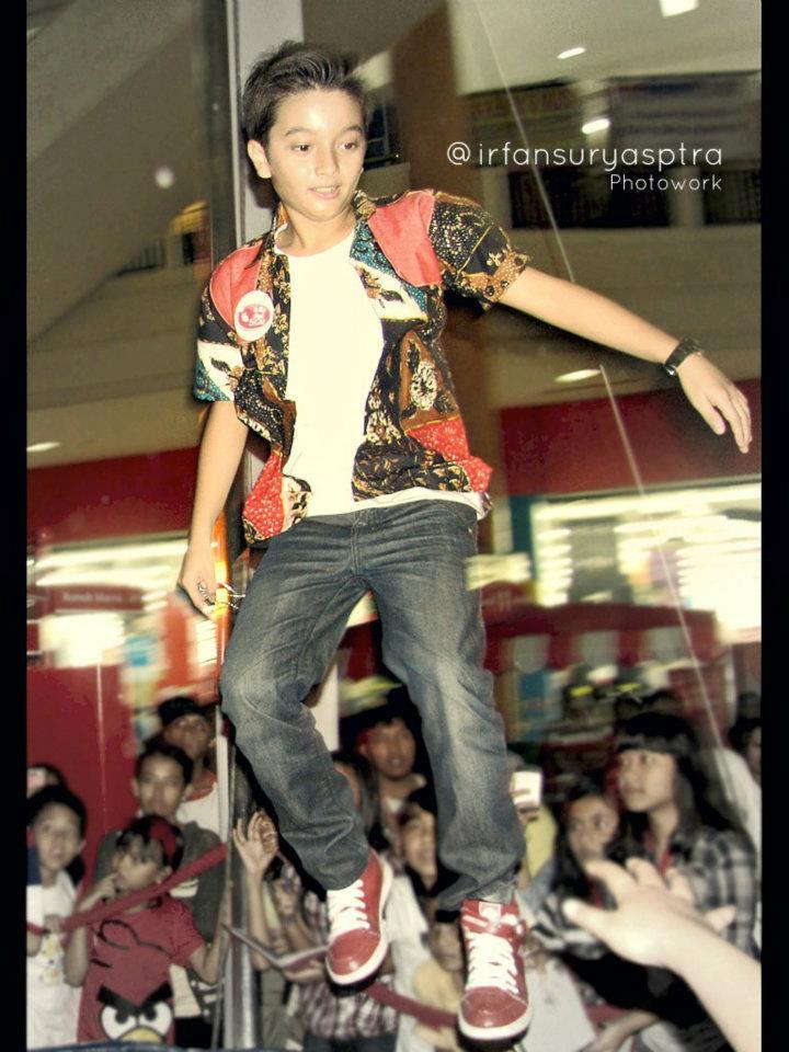 Profil Singkat Dan Koleksi Foto Bryan Domani Super Seven ...
