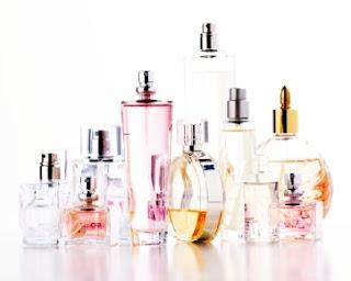 Bahaya Parfum Saat Kena Sinar Matahari
