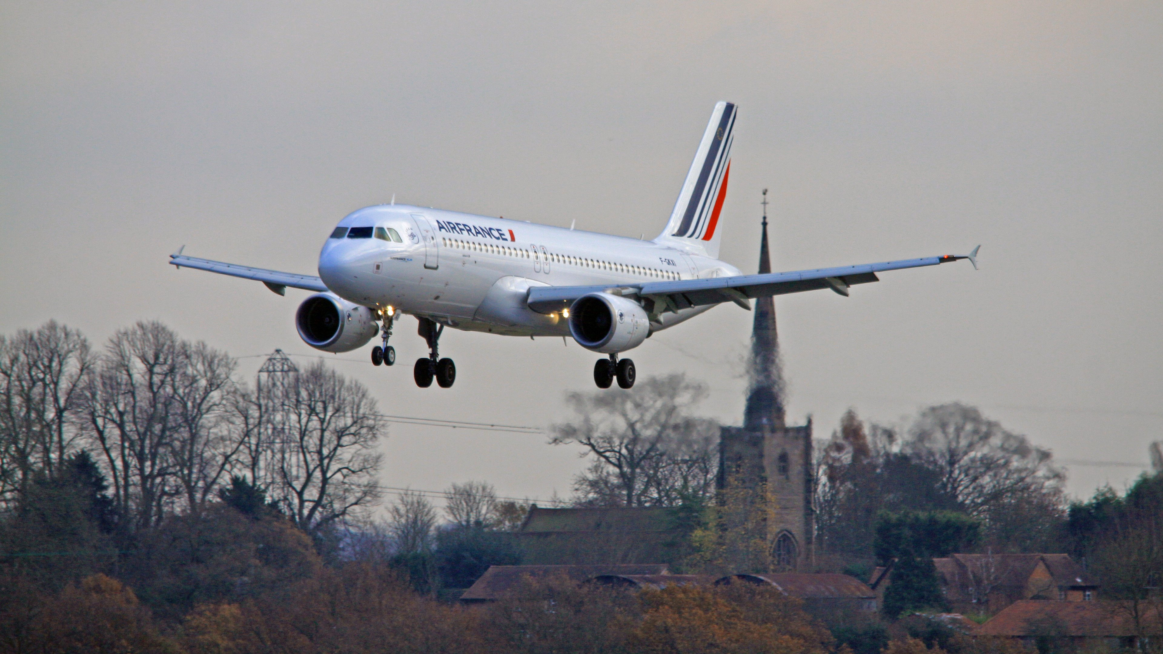 air france airbus landing on birmingham airport wallpapers hd wallpapers
