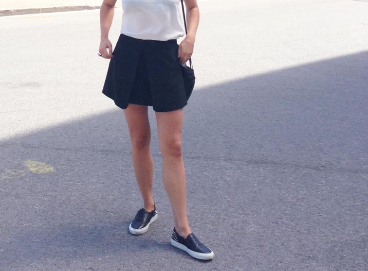 Zara Skirt Sandro Anaconda Sneakers Bottega Veneta Intrecciato