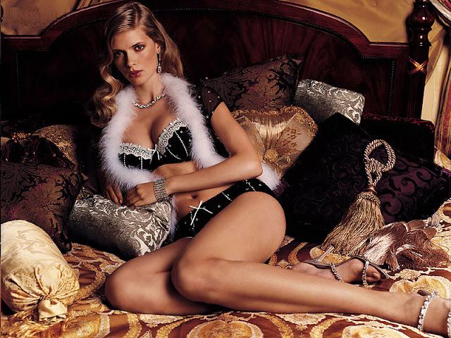 Julia Stegner  sexy in bikini