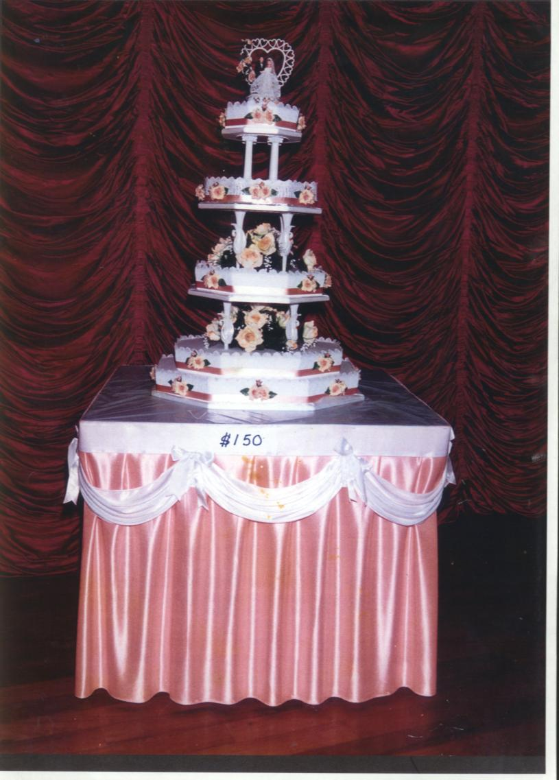 wedding cake and champaign deco