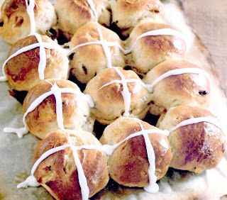 Classic freshly-baked hot cross buns for Easter