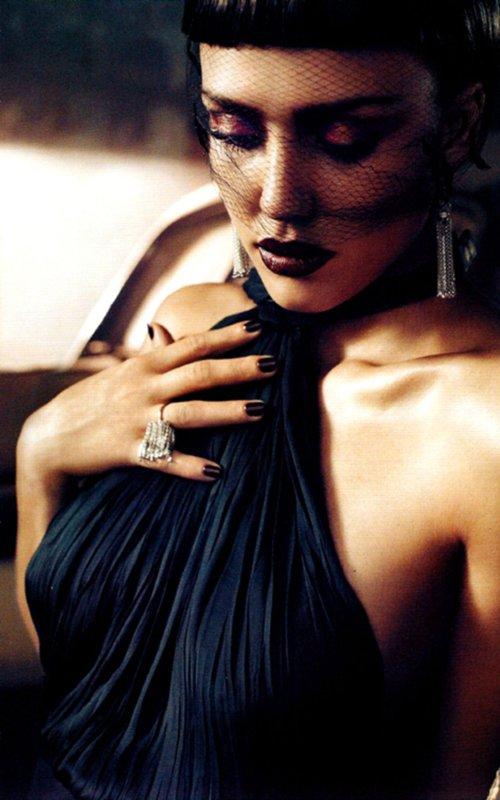 april 2011 vogue. Vogue Italia April 2011 .