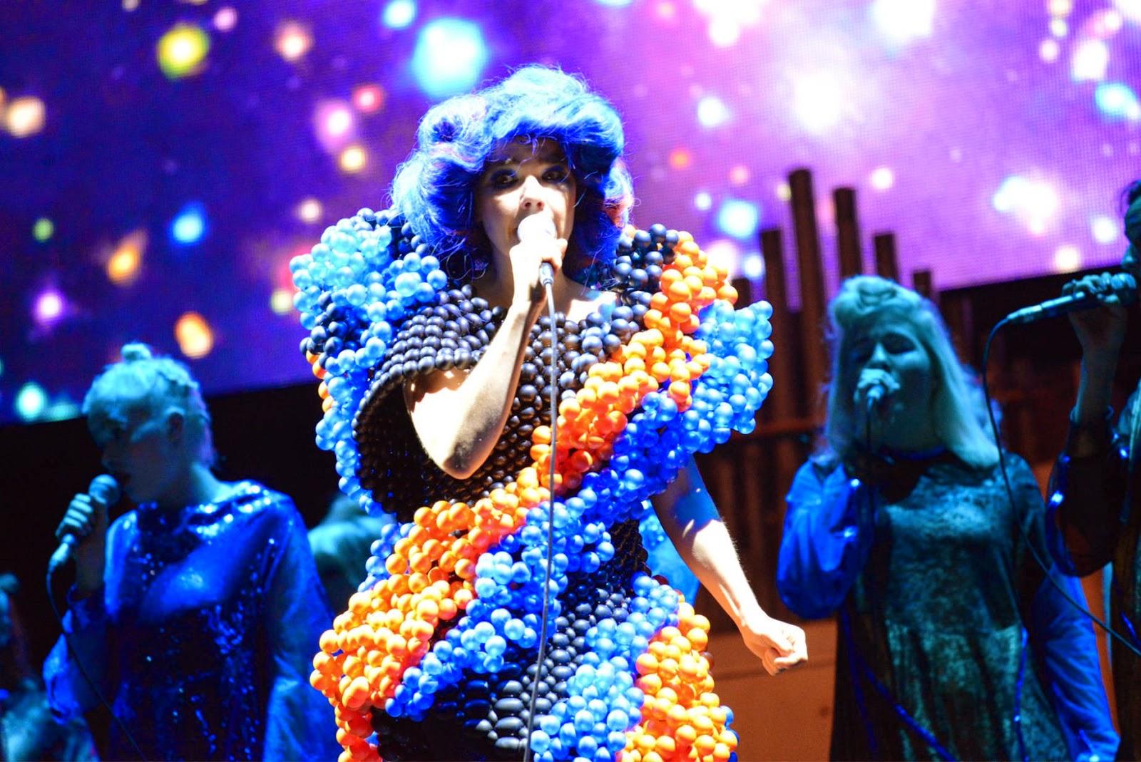 björk guðmundsdóttir: Björk - Live @ Fuji Rock Festival ...