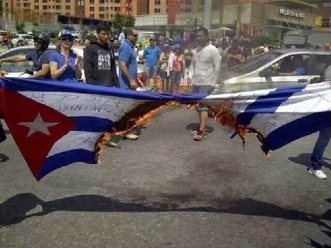 Baracutey Cubano: Versos sobre la quema de banderas cubanas en ...