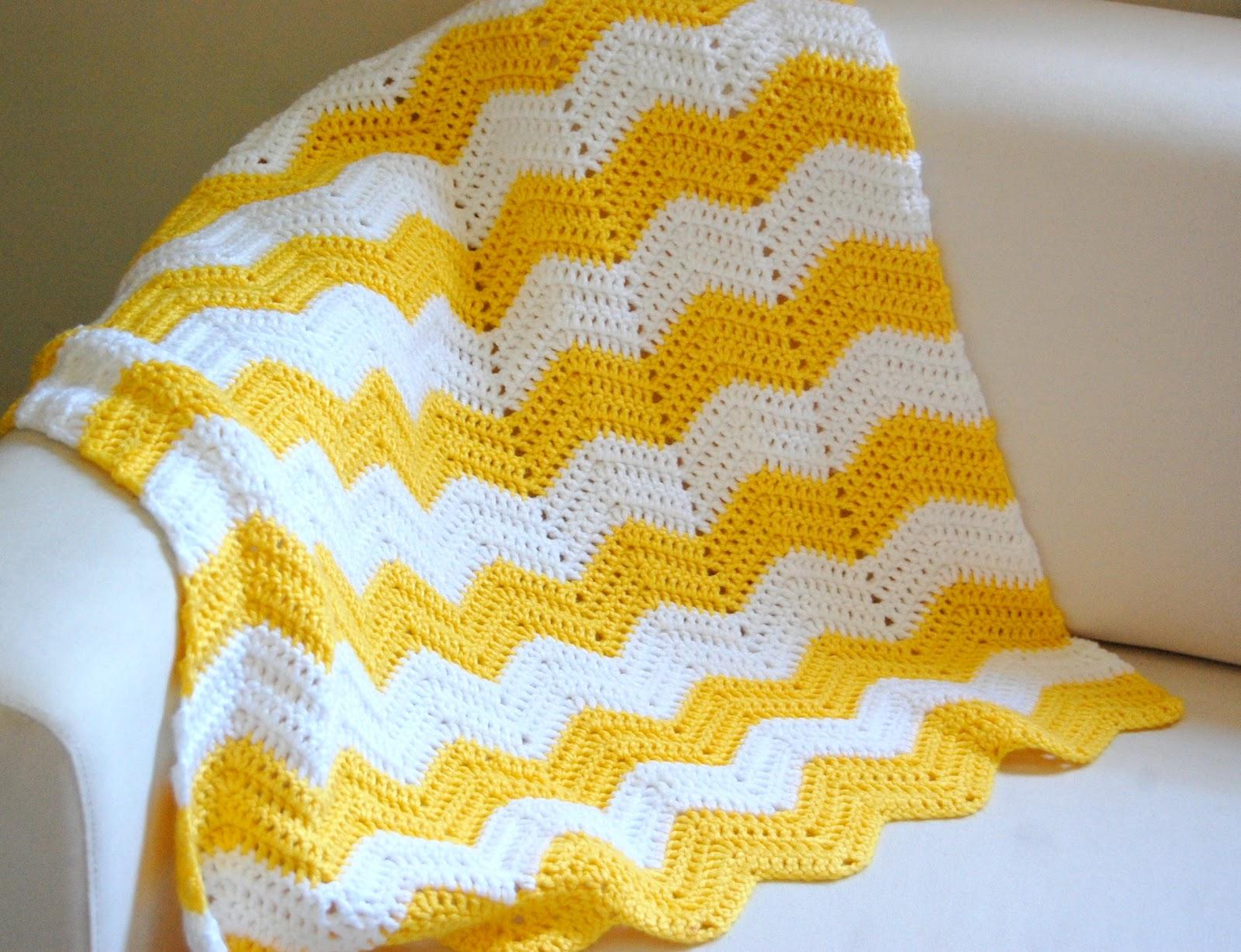 Crochet Chevron Pattern : hopscotch lane: Yellow and White Chevron Blanket