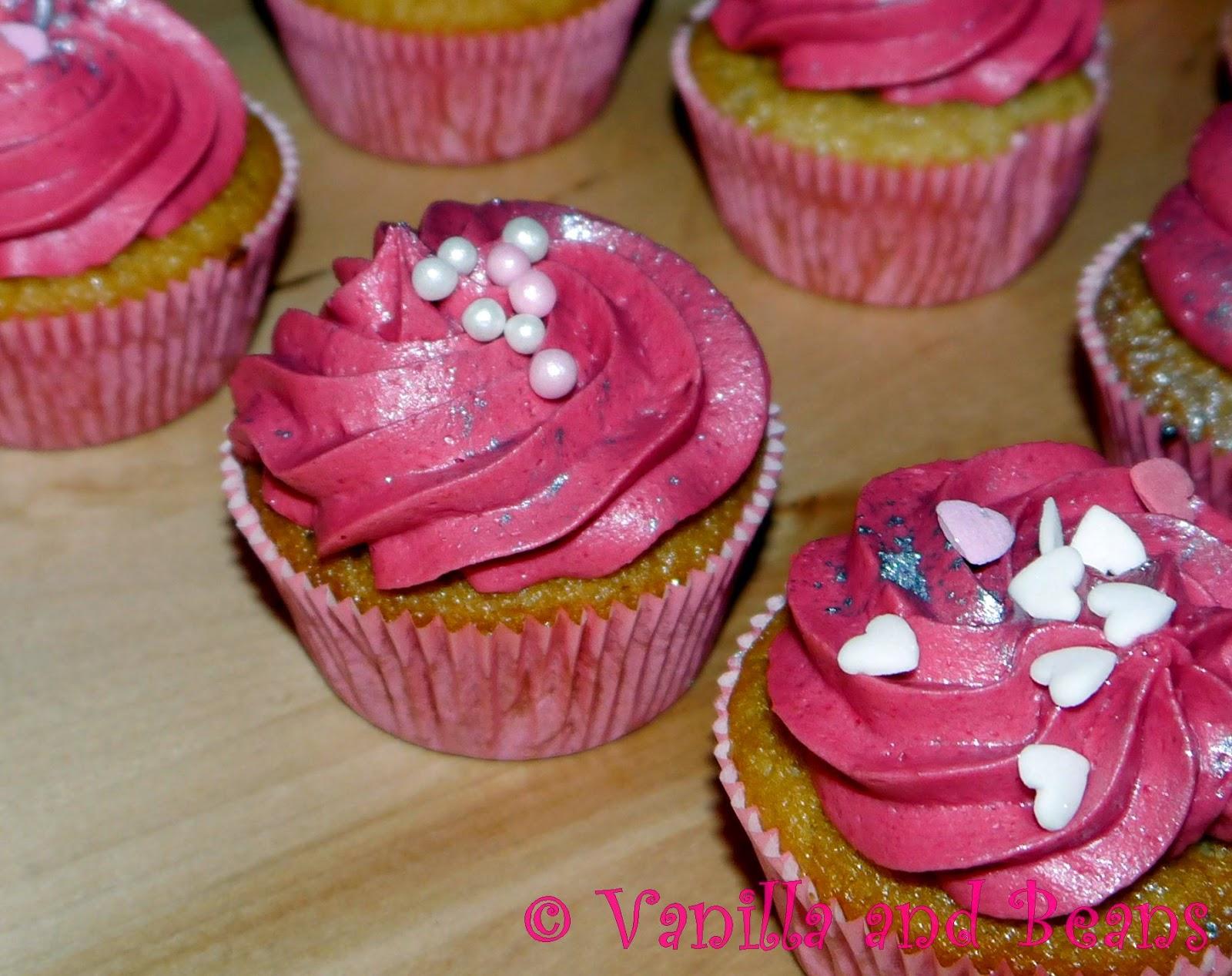 peanut butter & jelly cupcakes | erdnussbutter-cupcakes *vegan*
