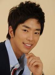 Biodata Yoon Hyun Min pemeran tokoh Lee Joon-hee