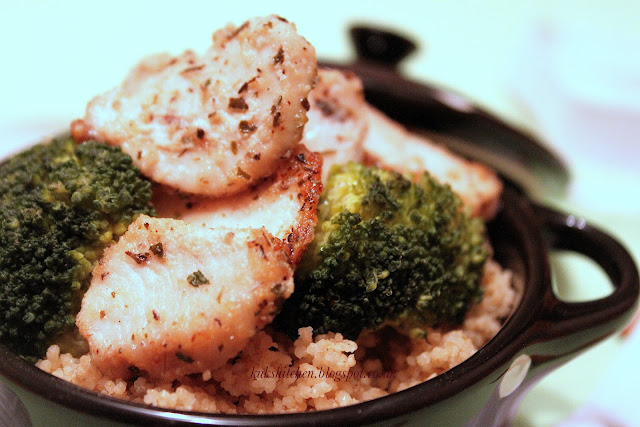 chicken - broccoli - cous cous lunch bowl in 10 minutes