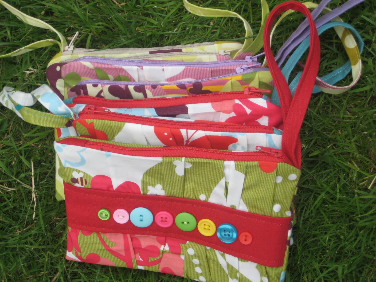 button bags - Kitchen Table Sewing