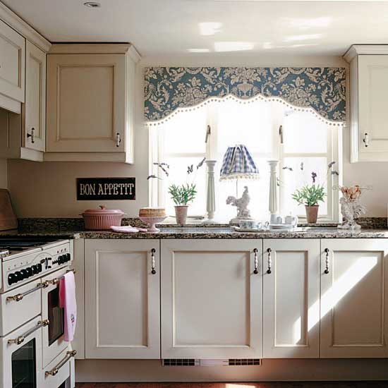 Cottage Kitchen Cabinets