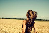 Que el viento despeine tu pele.