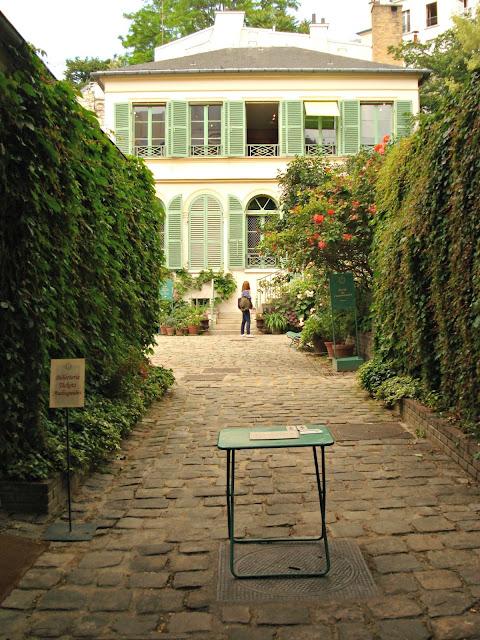 Voir les roses tr mi res du mus e de la vie romantique - Jardin du musee de la vie romantique ...