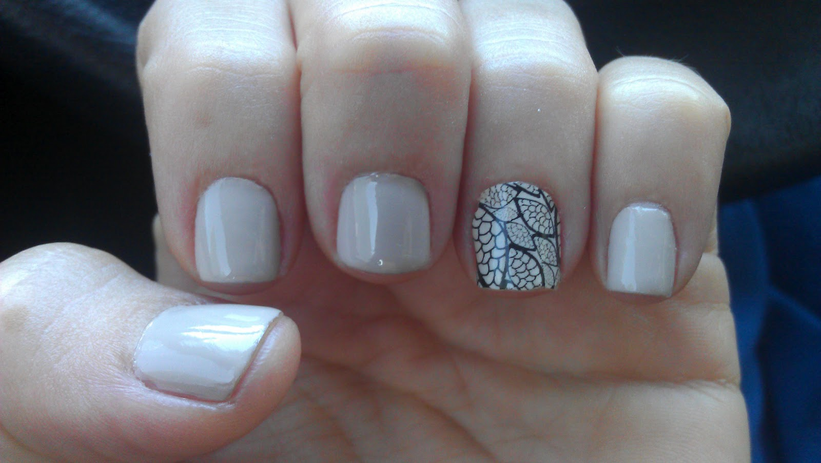 Me So Vain : Sally Hansen Nail Polish Strips & Essie Sand Tropez