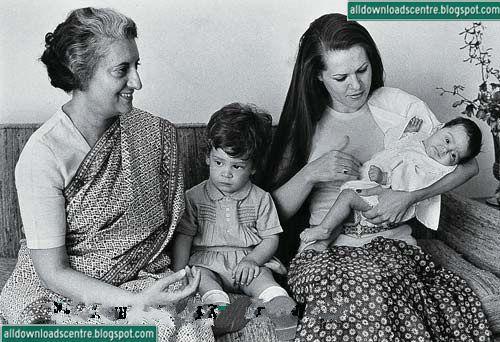 Indira Gandhi Family Photos Indira Gandhi With Her Family