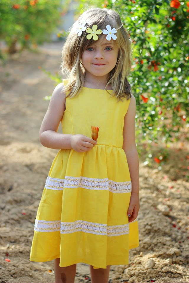 The little blogger - Yellow dress - streetstyle kids- tienda Guardamar niños - Junior Babe
