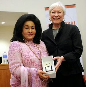 Rosmah Terima Anugerah Hero STEM Di Ibu Pejabat PBB