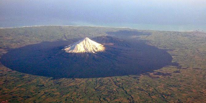 5 Gunung yang Disakralkan di Beberapa Negara di Dunia