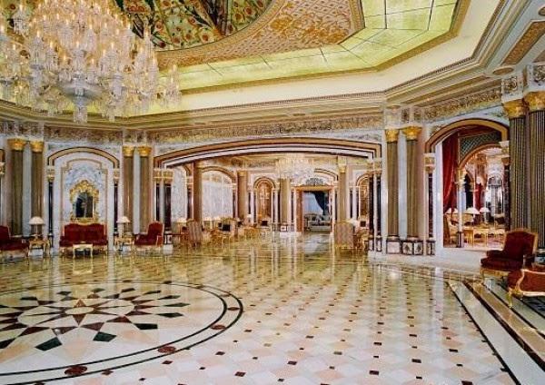 بالصور : امير قطر يهدي قصره الى الملك محمد السادس