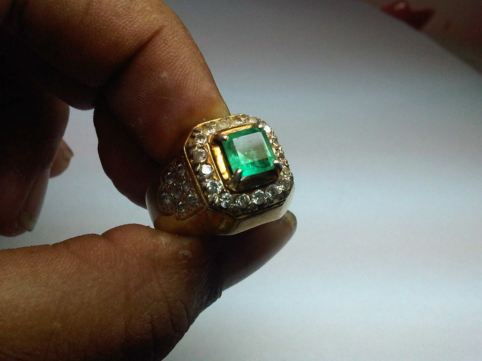 Batumuliadoeloe Natural Emerald Jamrud Origin Columbia