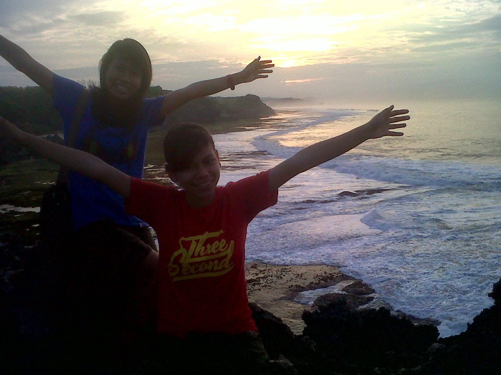 Pantai Kukup sunrise, cantik, indah, gunung kidul, jogja