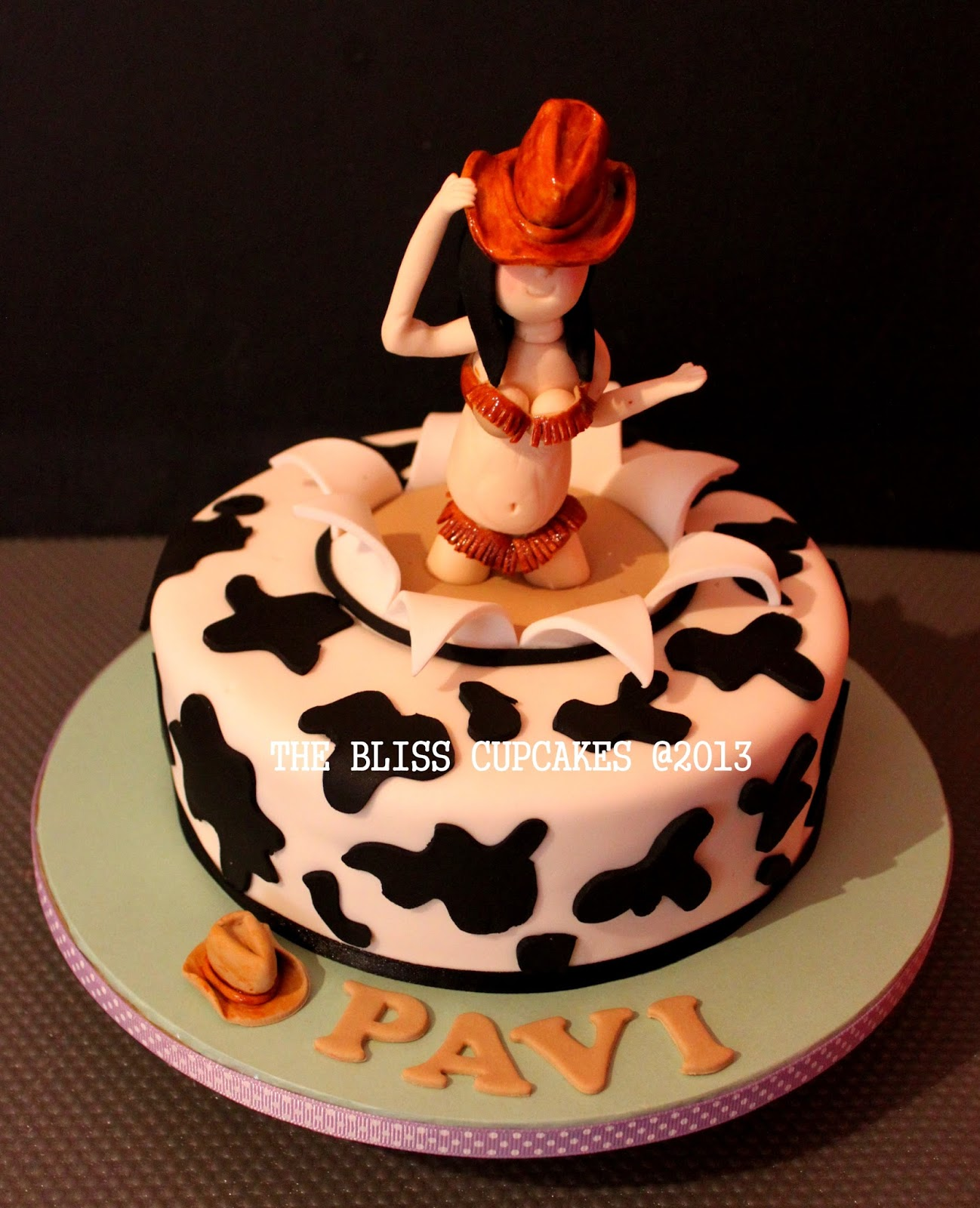 The Bliss Cupcakes Cow Girl Birthday Cake