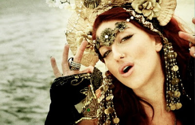 Neon Hitch - Love U Betta