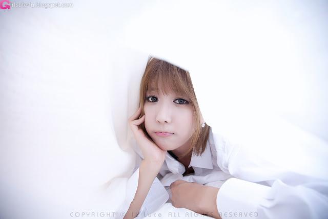 Heo-Yun-Mi-Between-the-Sheets-04-very cute asian girl-girlcute4u.blogspot.com