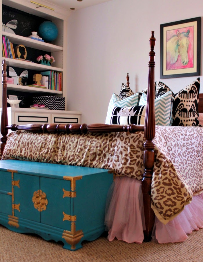 pink + turquoise little girl's room