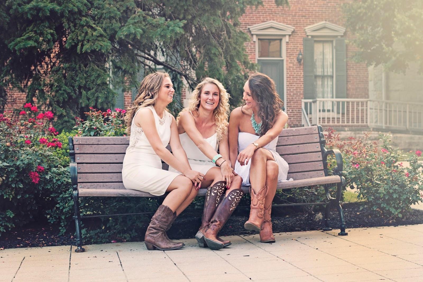 Пришла подруга сестры, Приехала сексуальная подружка моей сестры 2 фотография