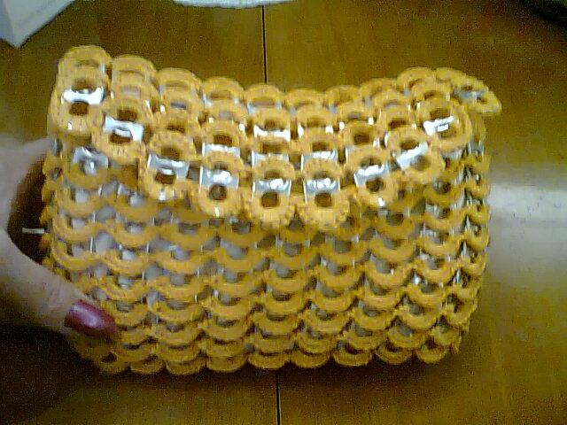 bolsos tejidos a crochet con chapitas