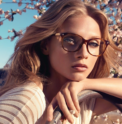No matter if you're wearing corrective eyeglasses or using one just for the style element, knowing about the latest trends in the world of eyeglass frames is required. So here's all about new eyeglass frames for which will help you choose the right option for you.