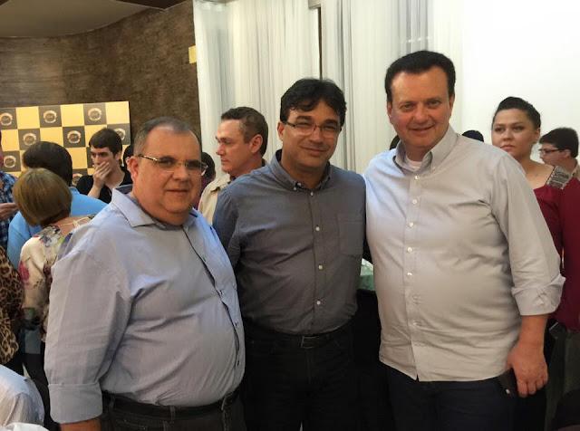 http://www.blogdofelipeandrade.com.br/2015/06/durante-encontro-com-prefeito-de-goiana.html
