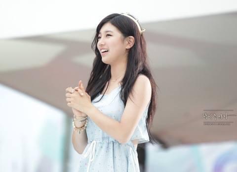 Foto Cewek Korea Cantik Suzy Bae