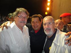 Durante el Premio de Comunicación al Presidente Chávez