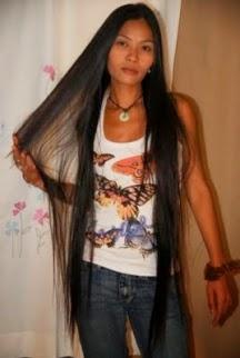 Foto Model Rambut Wanita Terpanjang