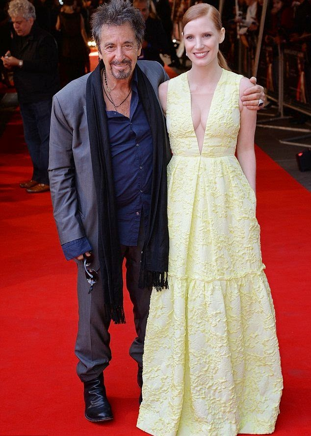 Having stunning to her style, the 37-year-old managed to steal the show at the Salome & Wilde Salome premiere in London on Sunday, September 21, 2014 with boyfriend, Gian Luca Passi.